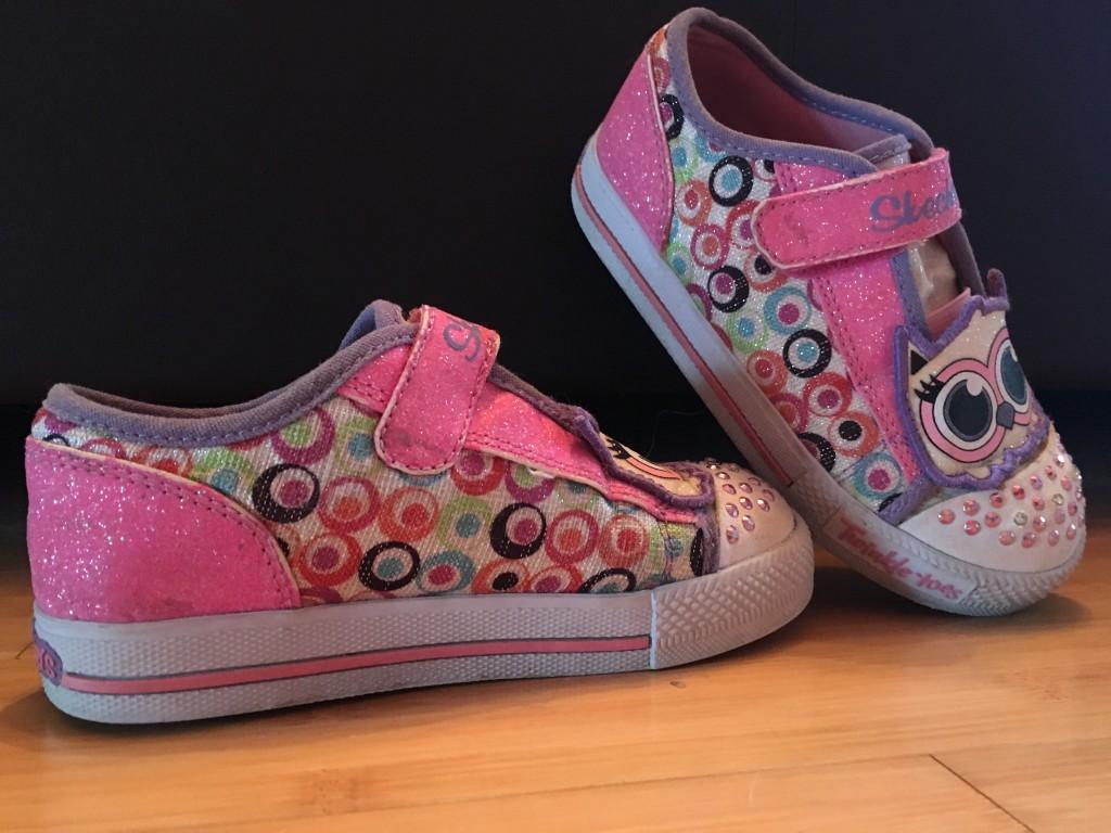 Baglyos világítós Skechers kislány cipő. - Manesz e89febe300