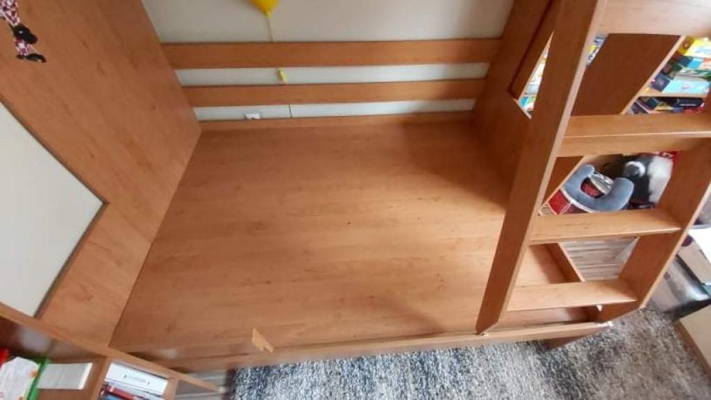3 személyes klassz masszív emeletes ágy galéria ágy eladó.méretei a fotók közt megtalálhatóak.fekvő részének rácsos hanem tömör!!! - 3