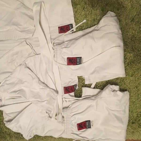 images/products/2020-11-03/cropped_judo-ruha-130-as-2db-elado-1500-ftdb-12831_0_1604402713.JPG