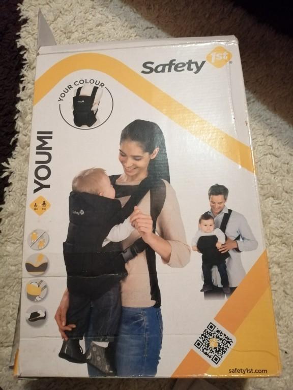 Eladó kihasználatlanság miatt egy alig használt brendonban vásárolt Safety 1st márkájú kenguru dobozával együtt. Érdeklődni a megadott telefonszámon. 06303810085 - 1