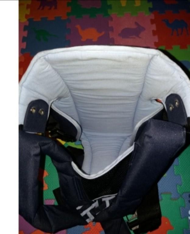 Eladó fillikid kengurú kék 3-12kg ig vagy 1-9 Hónaposig  40°C-on mosható.  Felső 100%polieszter, belső 100%pamut.  Extra magas háttmla a maximális biztonságért.  Bélelt szivacsos hevederek.  Puhán bélelt a lábrésznél.  Szemből és háttal is bele lehet tenni a gyermeket.  Kényelmes és biztonságos hordózást biztosít.  Átvétel személyesen vagy futár szolgálattal is.  Vagy posta utánvétellel.   - 2