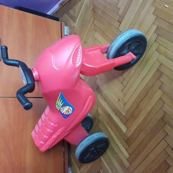 images/products/2021-01-26/cropped_elado-szep-allapotban-egy-piros-gyermek-kismotor3-4-eves-kisfiukislany-reszere-14335_0_1611665714.jpg