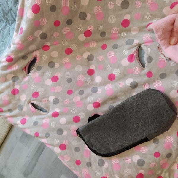 images/products/2021-03-01/cropped_maxi-cosi-babatakaro-takaro-rozsaszinszuerke-alapon-poettyoes-vastag-meleg-takaro-nemet-hobea-marka-autos-hordozoba-valo-athuzzuk-a-vagasokon-a-biztonsagi-oeveket-babatakaro-hasznalt-de-szep-megkimelt-15035_0_1614623260.jpg