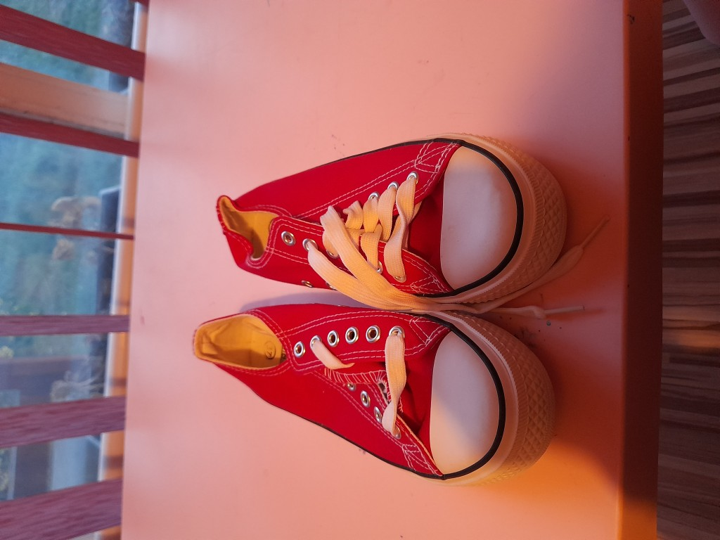 Converse tornacipő piros, új eladó - 1