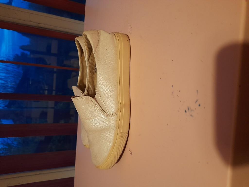 Papucscipő 36-os fehér eladó - 2