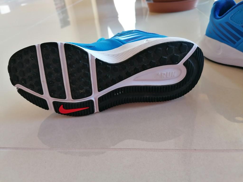 Eladó a képen látható, keveset használt eredeti Nike sportcipő. - 3