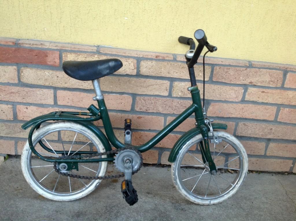 Eladó a képen látható kis bicikli - 0