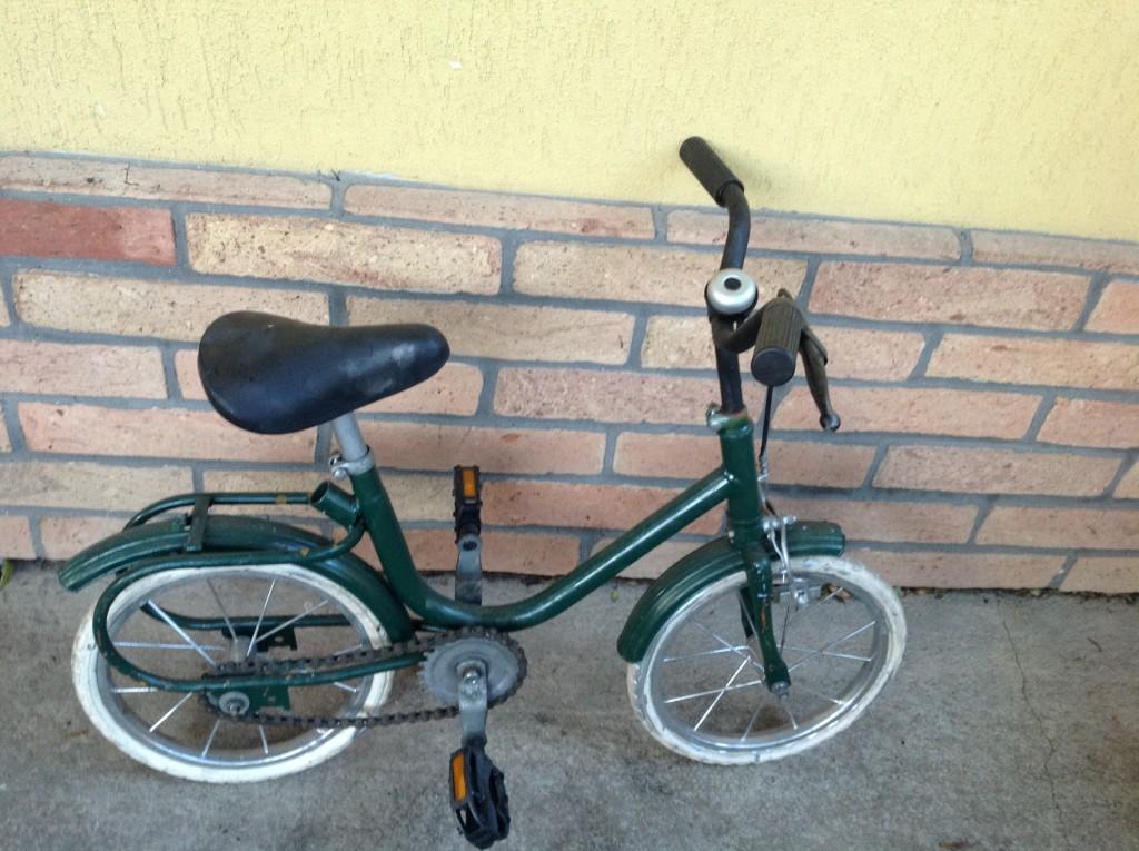Eladó a képen látható kis bicikli - 1