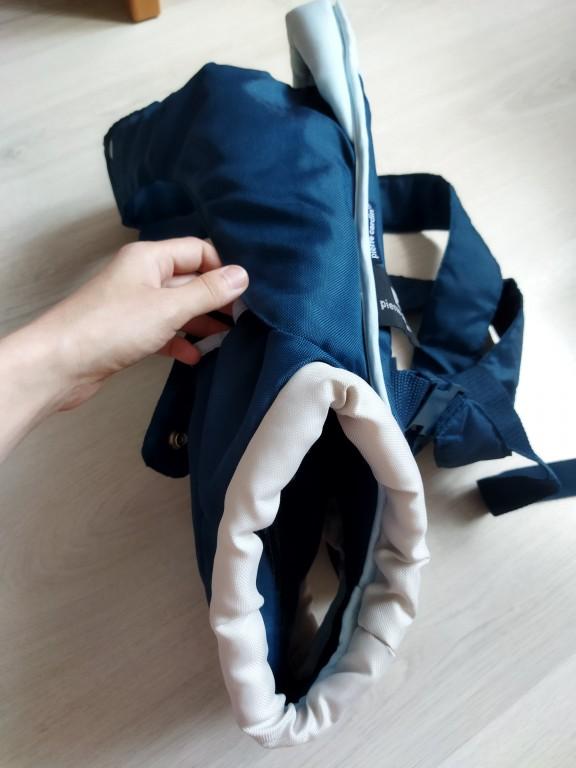 Ajándékba kapott, soha nem használt Pierre Cardin hordozó.  Méretei: hossz: 52 cm szélesség: 22 cm legszélesebb rész: 36 cm  Állatszőr- és füstmentes lakásból. - 3